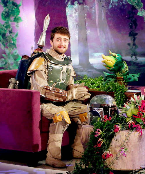 Daniel_Radcliffe_dresses_up_as_Boba_Fett_on_The_Ellen_DeGeneres_Show